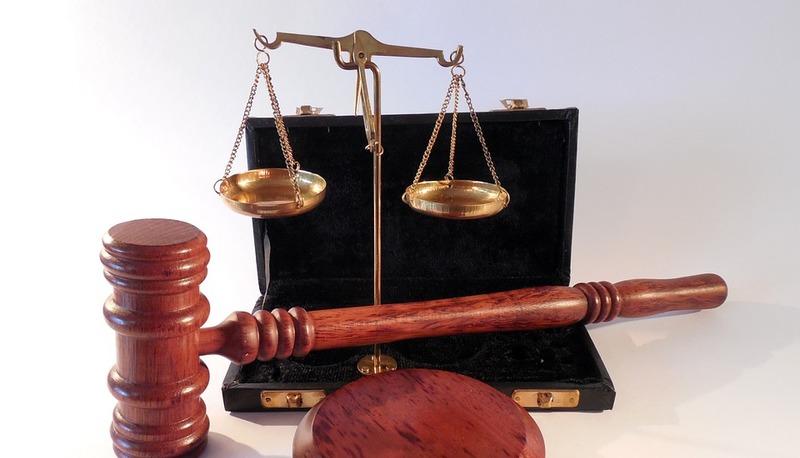 Bulli e grembiule o diritti e doveri?